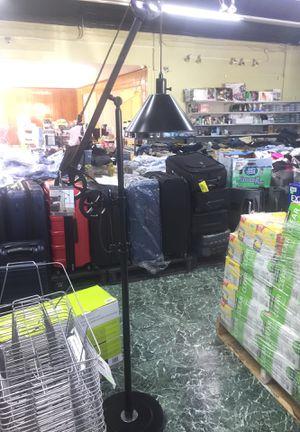CULUS Floor Lamp for Sale in Montebello, CA
