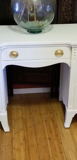 Beautiful Pedestal Desk /Vanity Solid WOOD for Sale in Whittier,  CA