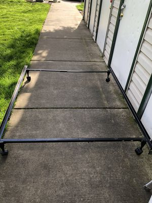 Full size Metal bed Frame for Sale in Eugene, OR