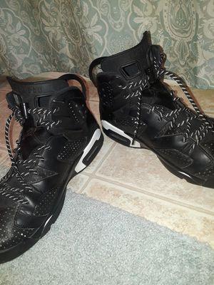 Shoes Jordan 6 size 12. for Sale in Dinuba, CA