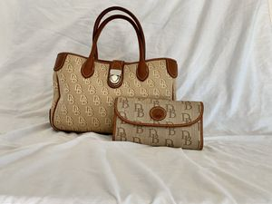 Dooney and Burke logo brown bag and wallet for Sale in Surprise, AZ