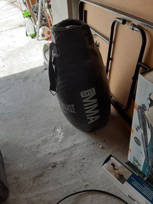 Over 100 lbs punching bag for Sale in Lancaster, CA