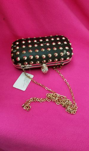 FREE PURSE** NO QUESTIONS JUST SEND ME A MESSAGE ONLY IF YOU ARE READY TO COME NOW PLEASE!!! for Sale in El Monte, CA