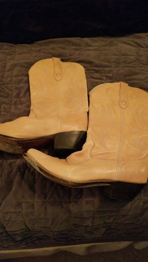 Women size 8 cowboy boots for Sale in Vancouver, WA