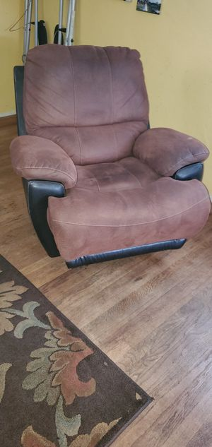 Brown recliner for Sale in San Diego, CA