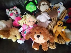 nice stuffed animals all for $ 12 for Sale in Jetersville, VA
