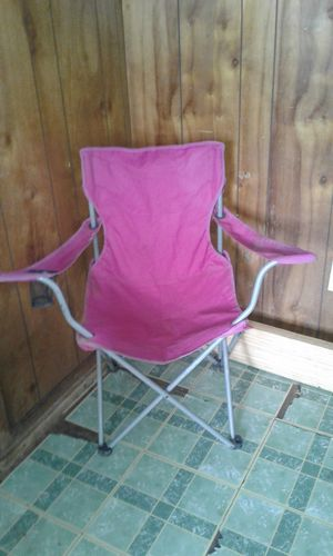 Pink foldable chair for Sale in Fort Smith, AR