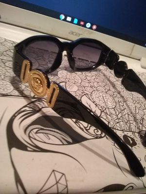 Gianni Versace Sunglasses for Sale in E RNCHO DMNGZ, CA