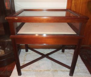 Display Table Glass Case Hinged Lid for Sale in Pulaski, TN