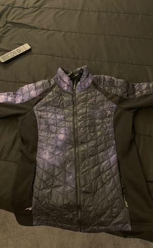 North face jacket for Sale in Rockville, MD