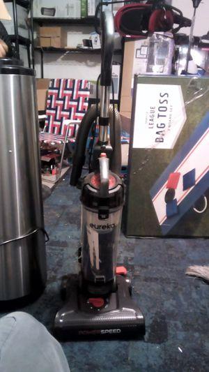 Eureka powerspeed lightweight upright vacuum for Sale in Compton, CA
