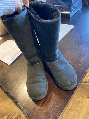 Women's Uggs Size 7 for Sale in New York, NY