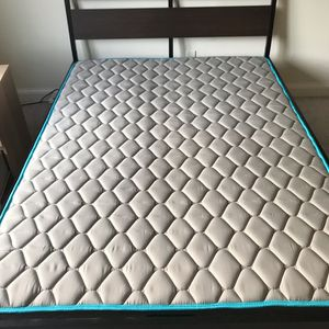 Queen size bed set for Sale in Brentwood, MD