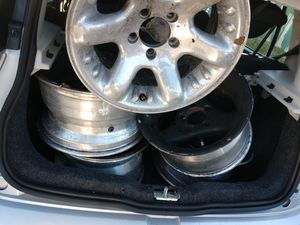 jeep wheels are 5 son para jeep son 5 cuatro y una más for Sale in San Diego, CA