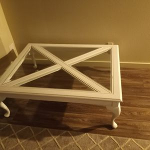 Beautiful Coffee Table In Good Condition for Sale in Puyallup, WA