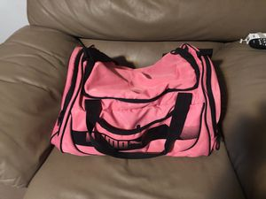 Puma pink duffle gym bag for Sale in Corona, CA