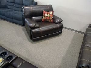 Power recliner. Leather brand new for Sale in Millcreek, UT