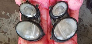 I have a Headlight Mercedes Benz CLK 320 / for 2001/2/3/ for Sale in Nashville, TN