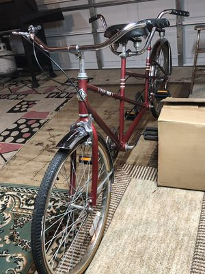 Tandem bike, easy ride trail mate, in good condition, no rust, good tires, seats are very comfortable, multi speeds, fun for 2 people to ride for Sale in Chicago, IL