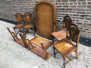 Beautiful hardwood dining room table set with painted details for Sale in Chicago, IL