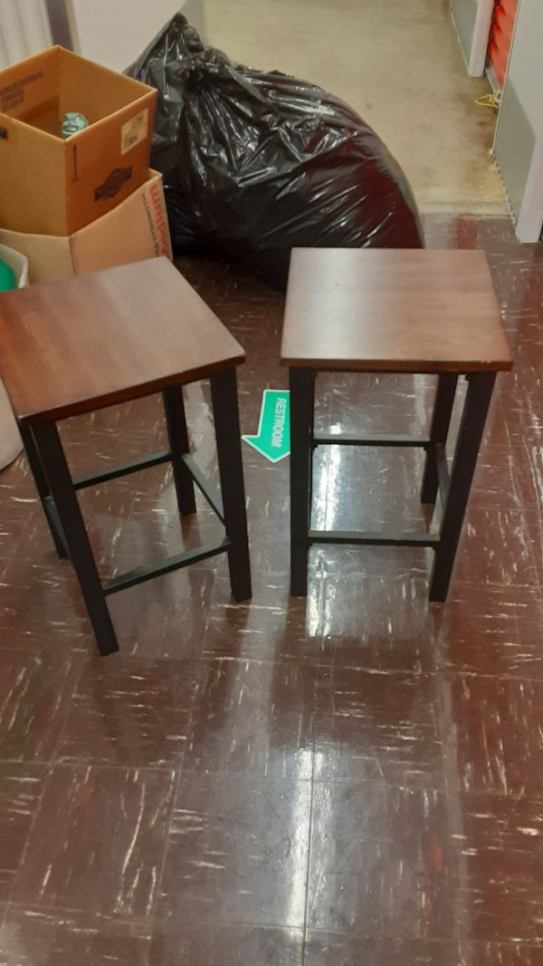 Small bistro table with 4 stools
