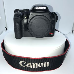 Canon EOS Rebel XSi 12.2 MP Digital SLR Camera with 360 turntable and lenses for Sale in Las Vegas, NV