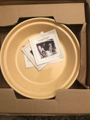 """Longaberger 10"""" Woven Pie Dish for Sale in Toms River, NJ"""