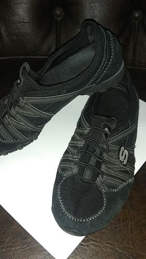 See ize 8 Skechers good condition for Sale in Orange, CA