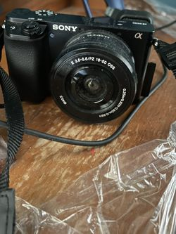 Sony A6100 Body And 16-50mm Lense With 128gb 4K SD Card for Sale in Garden City,  MI