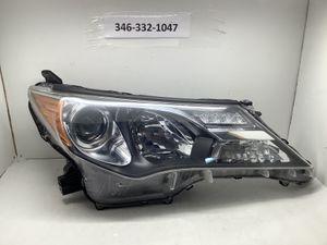 2013 2015 Toyota Rav4 right headlight for Sale in Houston, TX