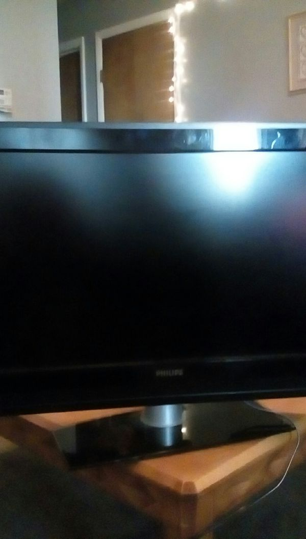 Broken 32 inch Philips HDMI FLAT SCREEN