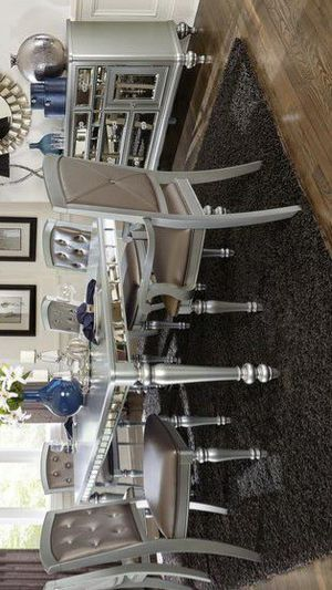 Orsina Silver Mirrored Extendable Dining Set for Sale in Pflugerville, TX