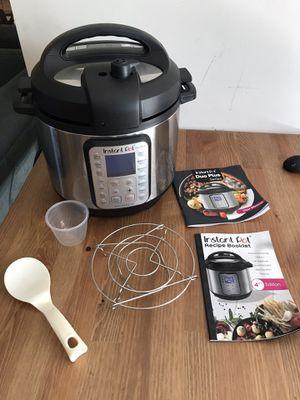 Instant Pot Duo Plus 6-Qt. for Sale in Los Alamitos, CA
