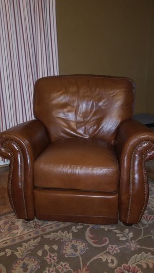 Leather studded recliner for Sale in Houston, TX