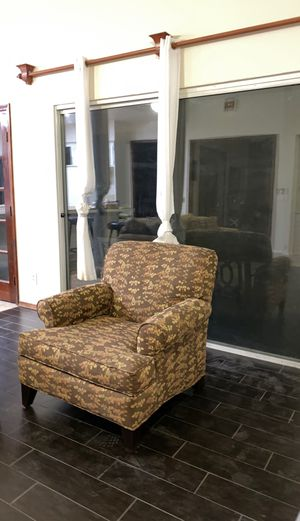 Couch chair oversized for Sale in Fresno, CA