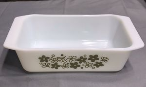 PERFECT Vintage Pyrex Milk Glass Bread Meatloaf 913 Green Crazy Daisy Flower for Sale in San Diego, CA