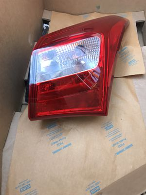 2013-2017 Hyundai Elantra GT Hatchback Right Rear Quarter Panel tail light OEM for Sale in Los Angeles, CA