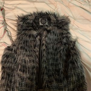 Black And Gray Faux Fur Vest for Sale in Kannapolis, NC