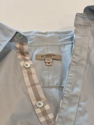 Women's Burberry Shirt size M for Sale in Dallas, TX