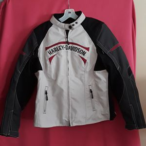 VNDS Authentic Harley Davidson Cruiser Armored Motorcycle Jacket SIZE L (but fits M) for Sale in Marietta, GA