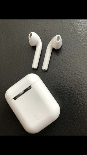 Brand new smart airpods earbuds earphones bluetooth wireless with portable charging case and microphone for hands free calls for Sale in Cookstown, NJ