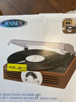 Jensen turntable, new with damage for Sale in Kent, WA