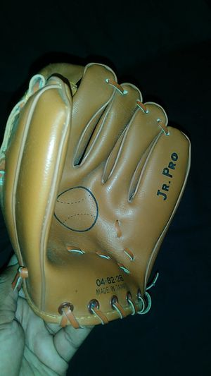 Baseball glove (Jr.Kids) for Sale in Cherry Hill, NJ