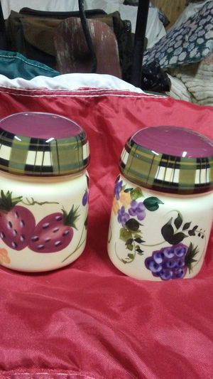 Cute hand painted Salt and pepper shakers for Sale in Vancouver, WA