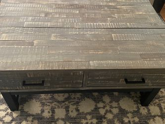 Lift Up Coffee Table for Sale in St. Louis,  MO