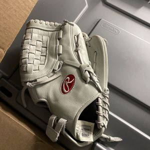 Unused Rawlings Softball Glove for Sale in Boston, MA