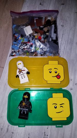 FREE!!! Legos (PENDING PICK UP) for Sale in ROWLAND HGHTS, CA