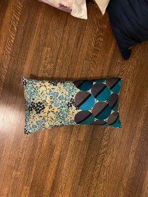 Beautiful set of west elm pillows for Sale in West Hollywood, CA