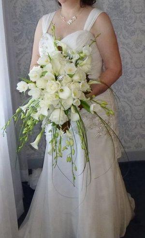 Gorgeous Designer Wedding Dress for Sale in Windsor, CT