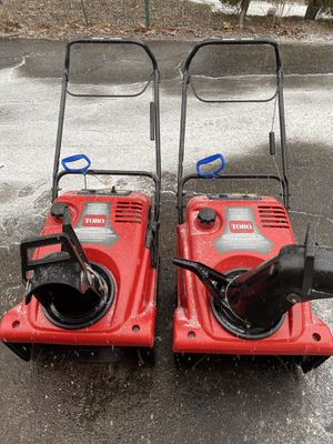 Toro 721 RC snowblower commercial grade both start at first pull just tuned for Sale in Downers Grove, IL